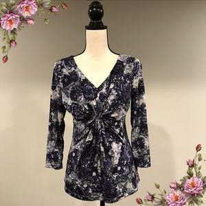 MAKE AN OFFER ;) Floral front knot long sleeve top